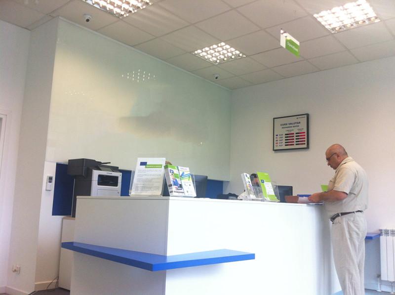 amenajari interioare sediu banca Volksbank Buzau