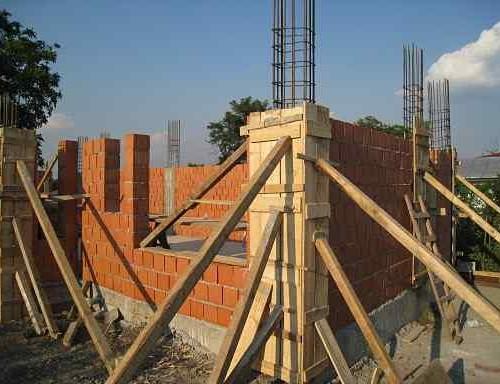 construire casa la rosu